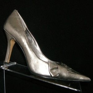 Nine West 'Boo Boo' silver leather bow heels 7.5M